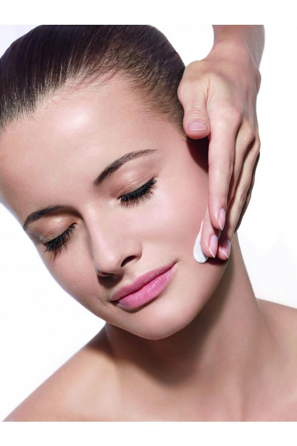 ESTHE-LIFT – Manuális arckontúr feszesítő kezelés